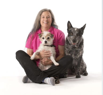 image-of-dog-trainer-laurie-yakish-with-her-dogs